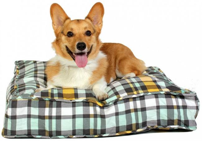 Cute Plaid Dog Bed