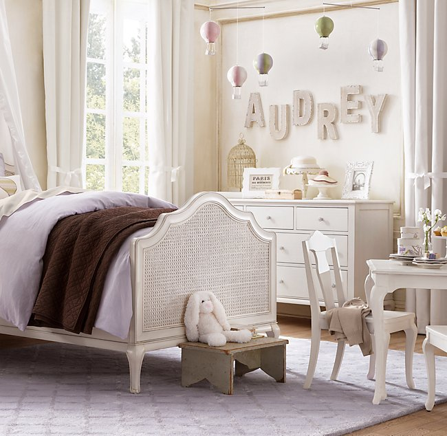 Love the idea of spelling out a name with decorative letters in a little girl's room!