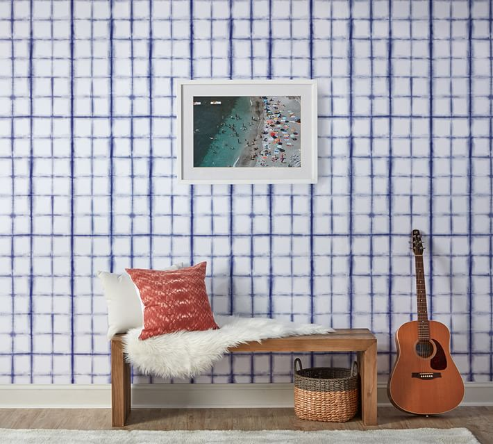 This shibori indigo wallpaper is beautiful! Perfect if you love decorating with indigo!