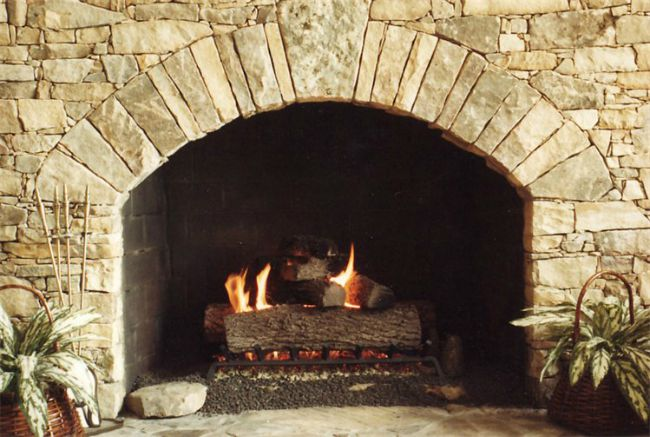 Fireplace with keystone arch