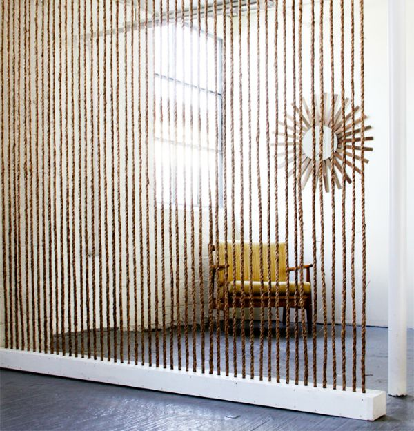 Rope used as dividing wall