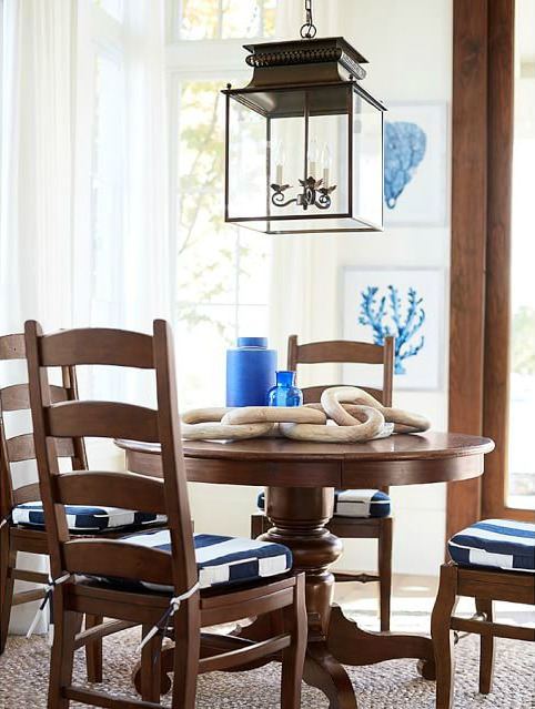 Love all of the hanging lantern pendant options in this post!
