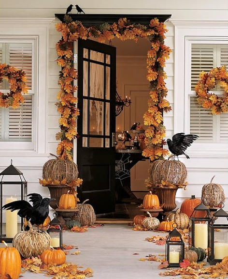 Love the look of a fall garland framing the front door!