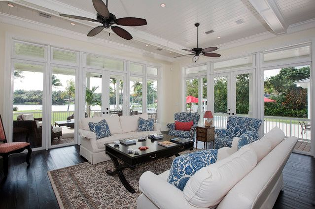 Twin family room ceiling fans