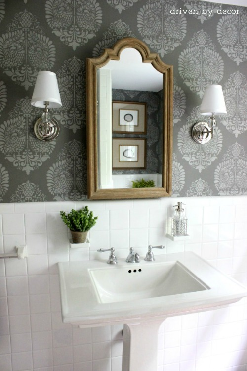 Stenciled wall in Benjamin Moore Chelsea Gray HC-168