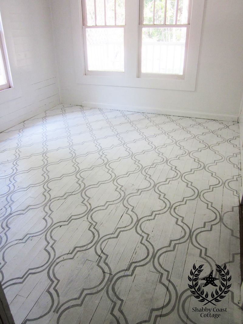 LOVE this gorgeous chalk paint floor with a lattice stencil design!