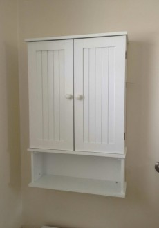 Annie Sloan Chalk Paint Bathroom Cabinet Makeover