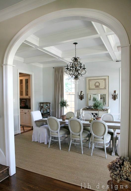 Gorgeous Dining Room With A Beautiful Mix Of Slipcovered End Chairs And  Wood/fabric Side
