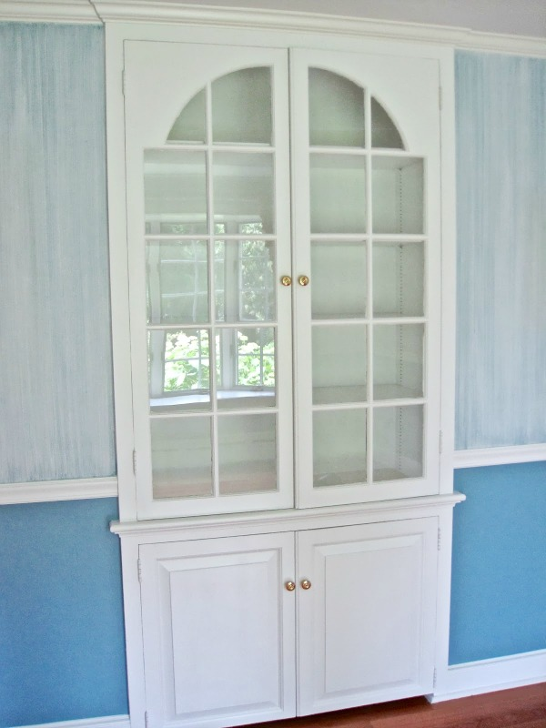 Before pic of built-in dining room china cabinet