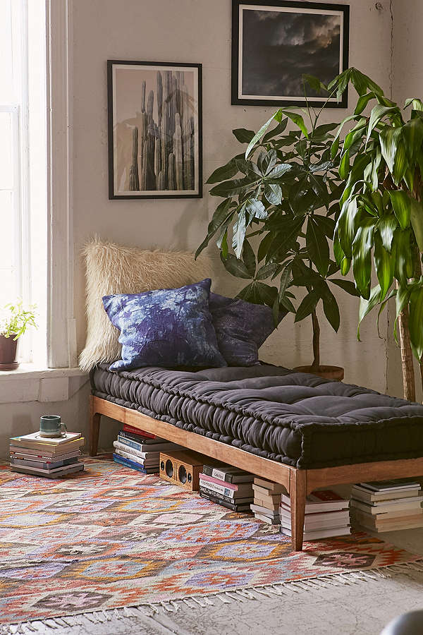 A beautiful French mattress daybed cushion at an inexpensive price!