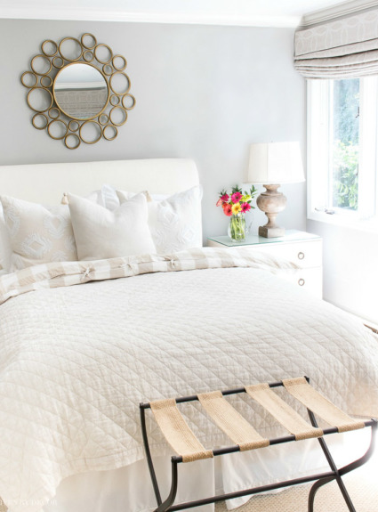 Above Bed Decor: Eight Ideas for Decorating That Awkward Space!