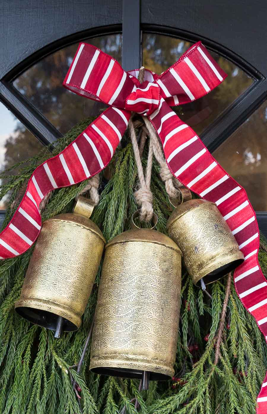 The perfect Christmas bells to hang on your front door!