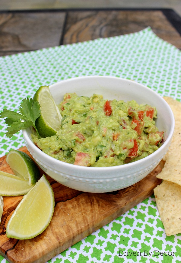 Ready to make some seriously amazing guacamole? This simple recipe is my favorite!!