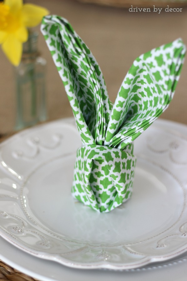 Napkin folded into rabbit ears - so cute for an Easter table setting! & Simple Spring u0026 Easter Table Decorations | Driven by Decor