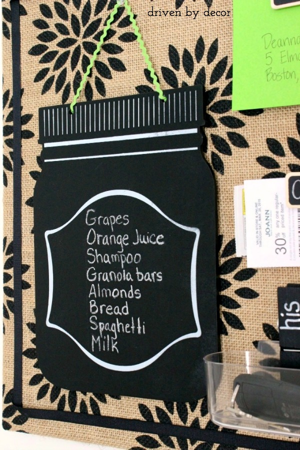 Super cute mason jar chalkboard - perfect for jotting down quick notes when hung in a kitchen