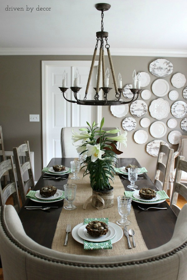 Tips on choosing the right size chandelier for your table
