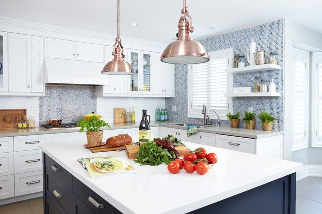 Merveilleux Love The Copper Pendants In This White Kitchen
