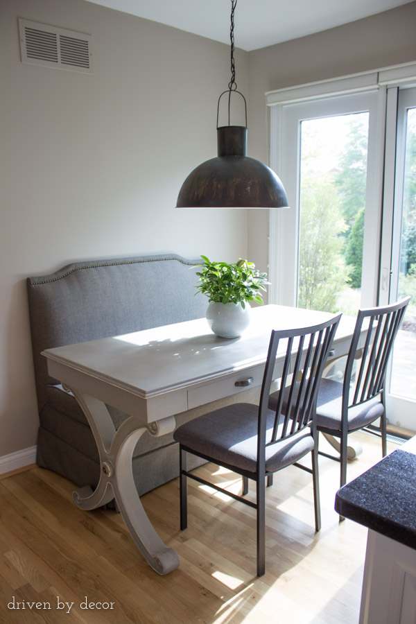 Breakfast nooks kitchen bench seats banquettes driven for Eating tables for small spaces