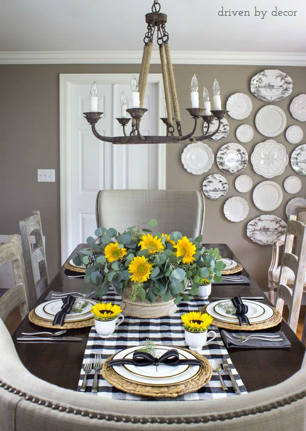 Simple fall table with sunflowers and black and white checked runner