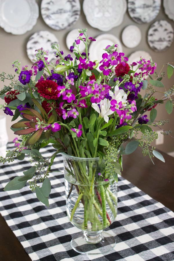 A simple holiday centerpiece of fresh flowers