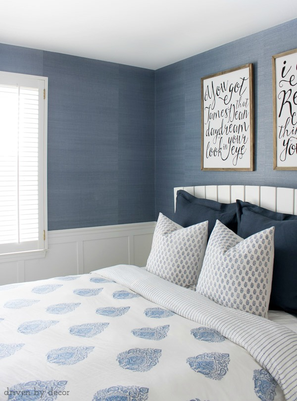 Great pic of the variation that you get with grasscloth wallpaper