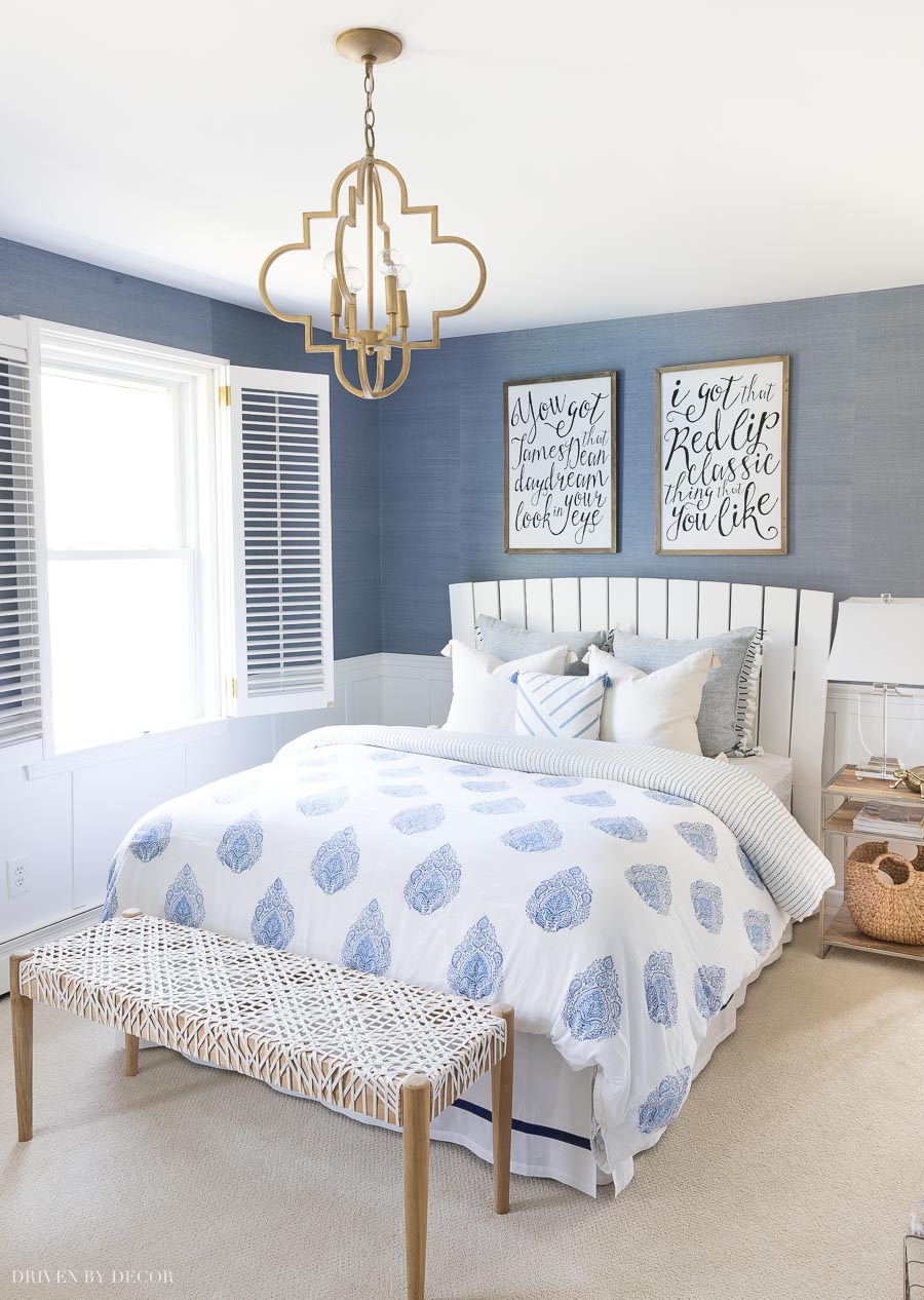 I love the blue grasscloth in this bedroom! Great post with tips on hanging it and where to buy grasscloth!