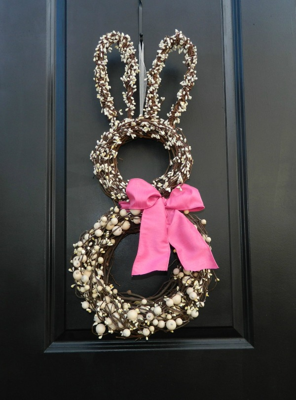 Bunny spring wreath - the cutest door decoration!