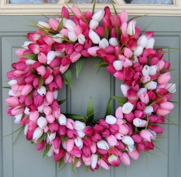 Pink and white tulip spring wreath - love!