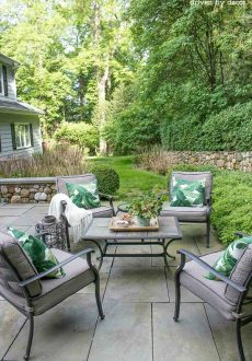Summer Simplified: Simple Outdoor Decorating Ideas