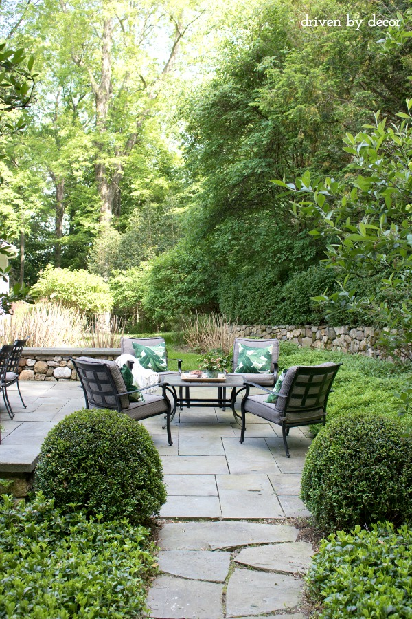 Summer Simplified: Simple Outdoor Decorating Ideas | Driven ...