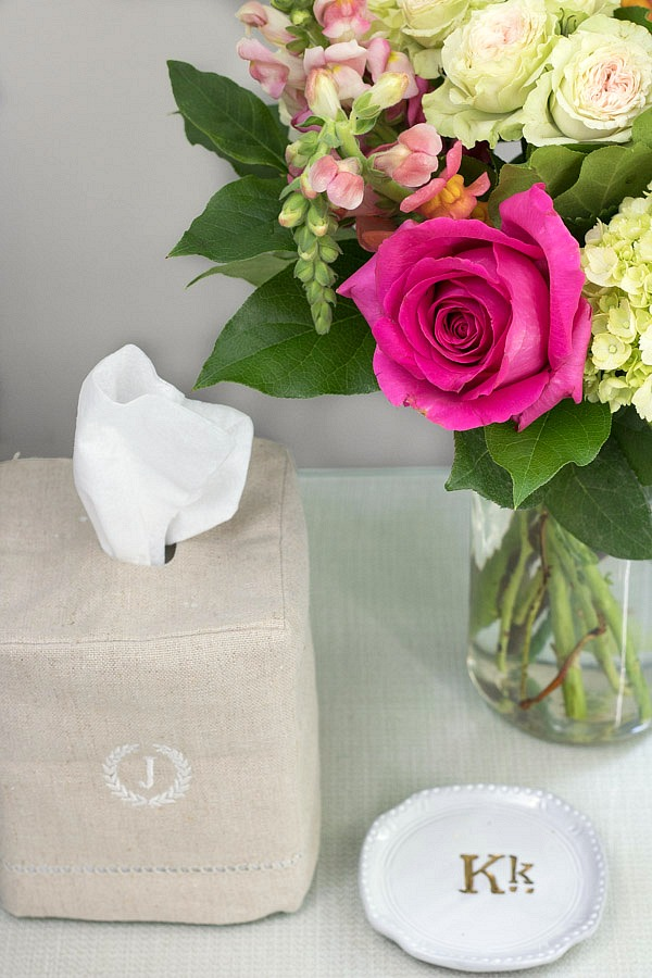 Bedside tissue box and ring holder
