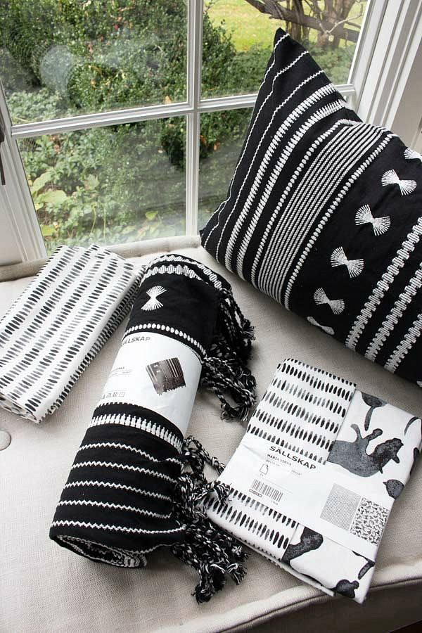 Black and white IKEA SALLSKAP linens