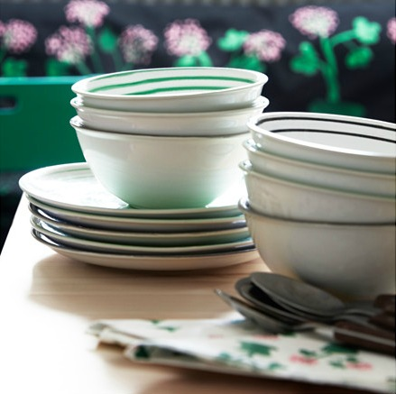 IKEA SALLSKAP bowls and side plates