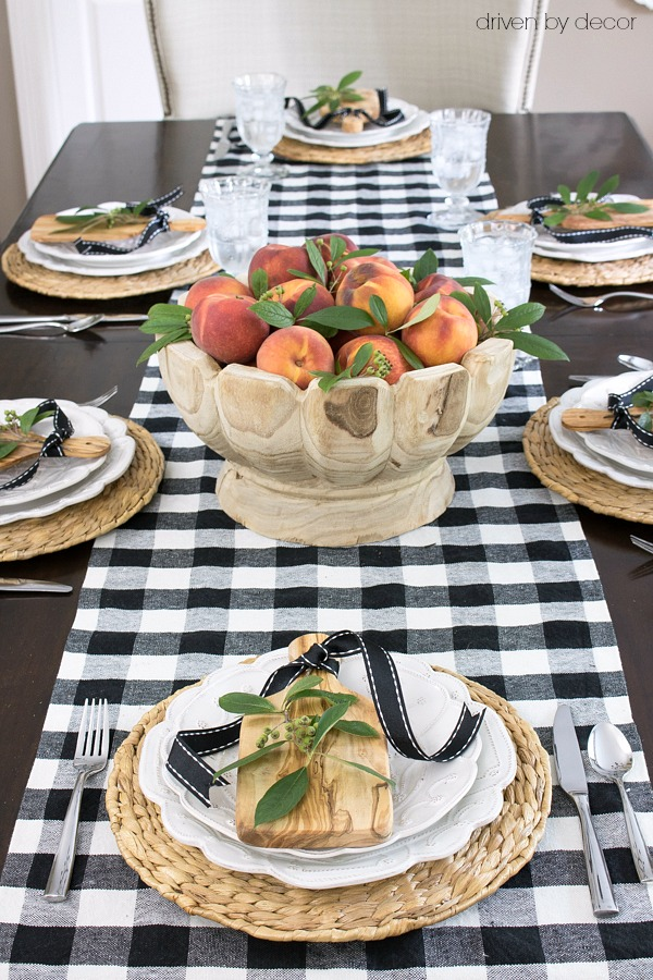 Peaches make a stunningly simple fall centerpiece in this beautiful scalloped wood bowl!
