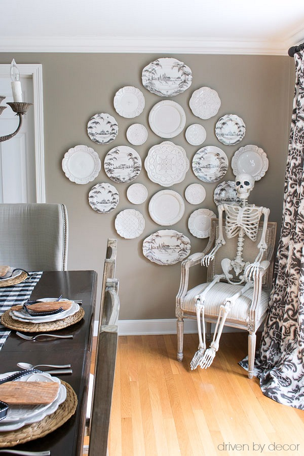 Posable skeleton for Halloween decoration - love!