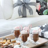 Four ingredient peppermint hot chocolate recipe