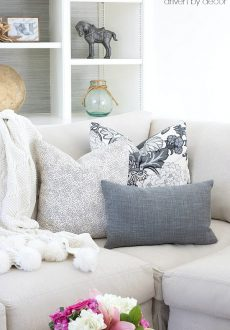 Pillows 101: How to Choose & Arrange Throw Pillows