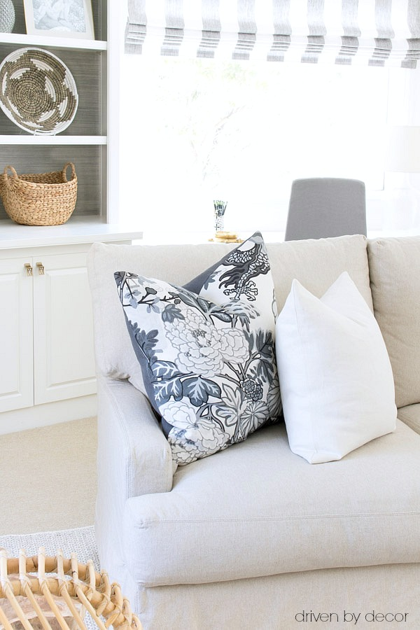 Throw Pillow Insert Sizes : Pillows 101: How to Choose & Arrange Throw Pillows Driven by Decor
