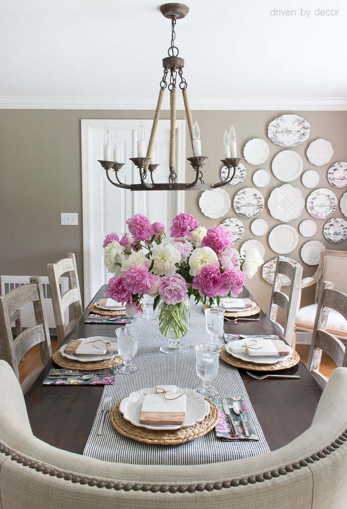 Summer entertaining with a simple pink and white tablescape