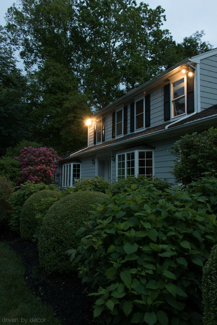 Awesome gadget for turning your outside lights on automatically at dusk and off at dawn!