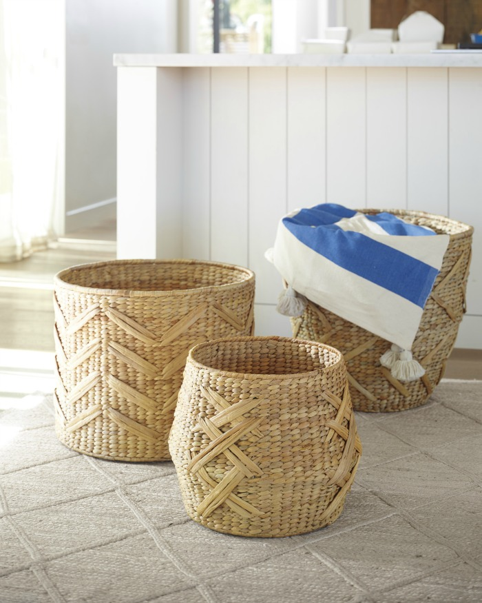 Decorating Bathroom Baskets Towels : Decorating a small bathroom ideas inspiration for