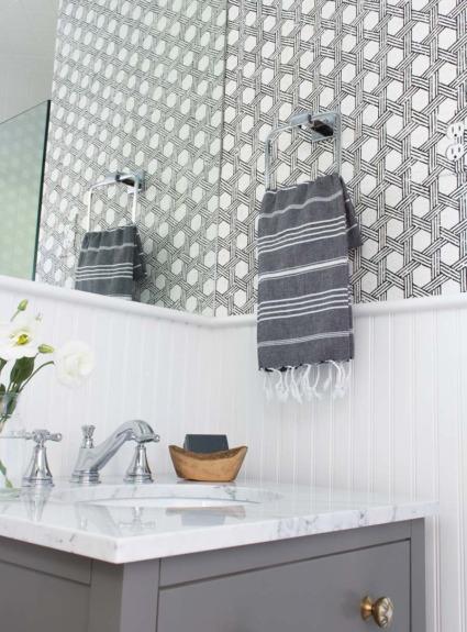 Wallpaper in Bathrooms: Is It a Good Idea??