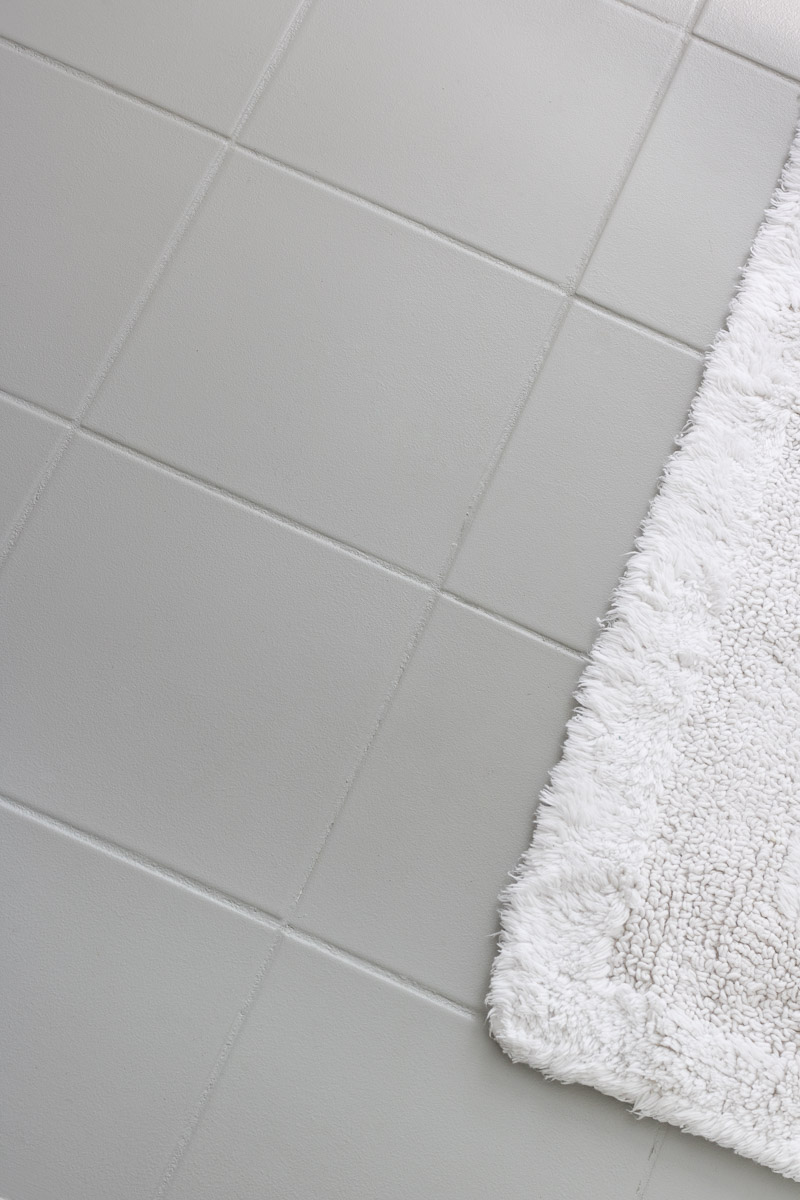 ugly ceramic floor tile painted with gray floor  patio paint  love how itturned. how i painted our bathroom's ceramic tile floors a simple (and