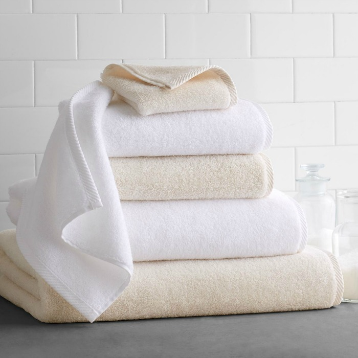 The best, softest bath towels on a great Black Friday deal!!