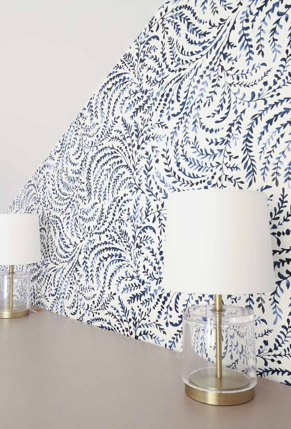 Gorgeous navy and white wallpaper with leafy watercolor vines!!