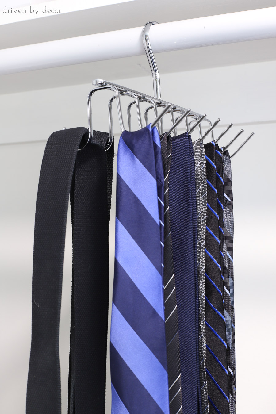 A hanging organizer that's a great way to organize your ties and belts!