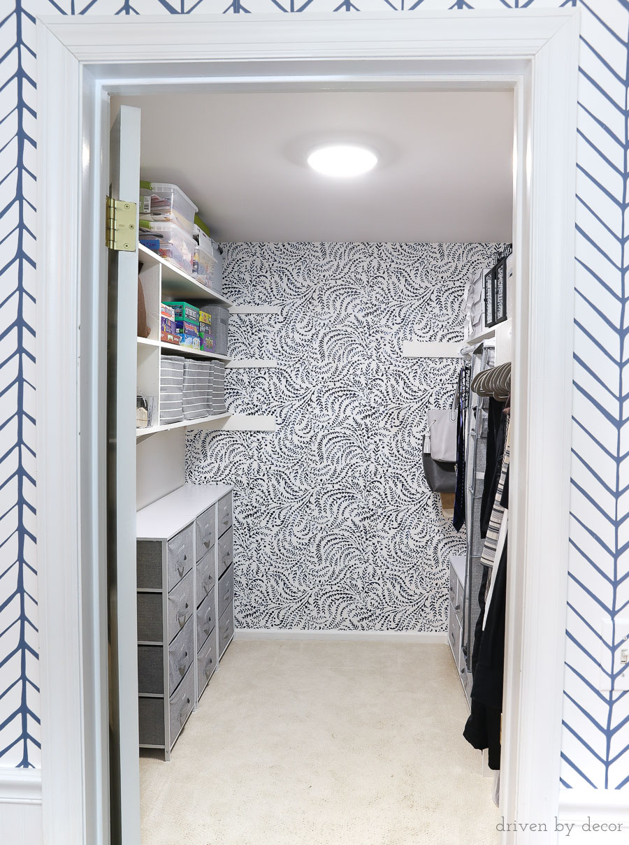 Great post sharing the best products for organizing your closet and how to go about doing it. And I LOVE these wallpapers she used!!