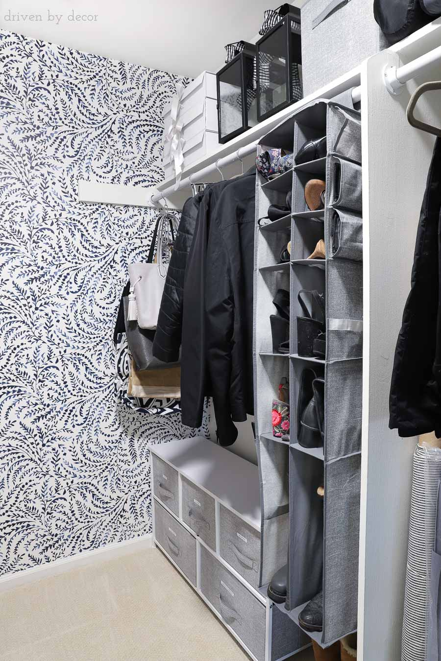 Loving all of the closet organization ideas in this post! Ideas for organizing and storing your shoes, purses, and more!