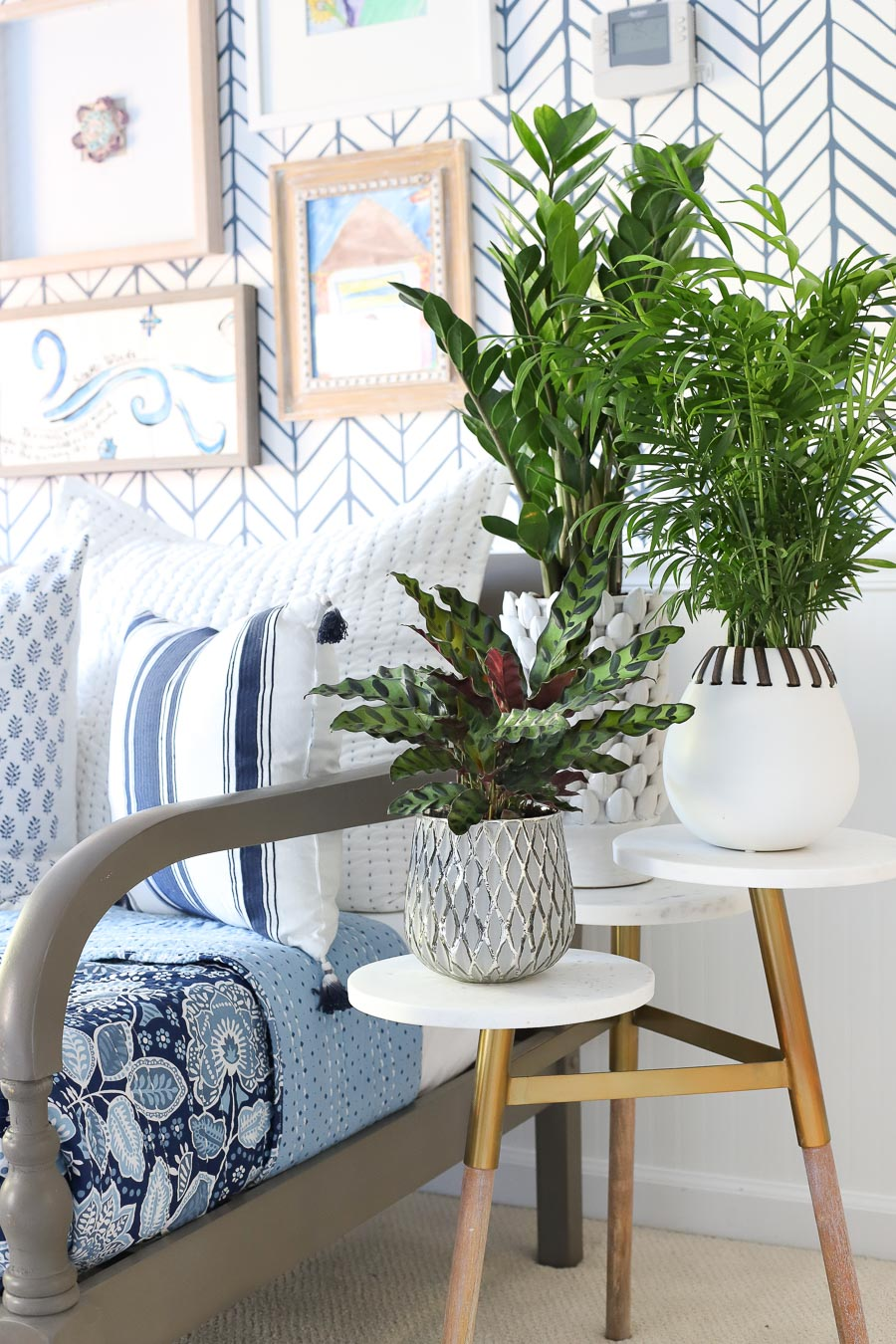 Loving this tiered marble side table - looks beautiful with plants and would also be perfect for holding multiple drinks!