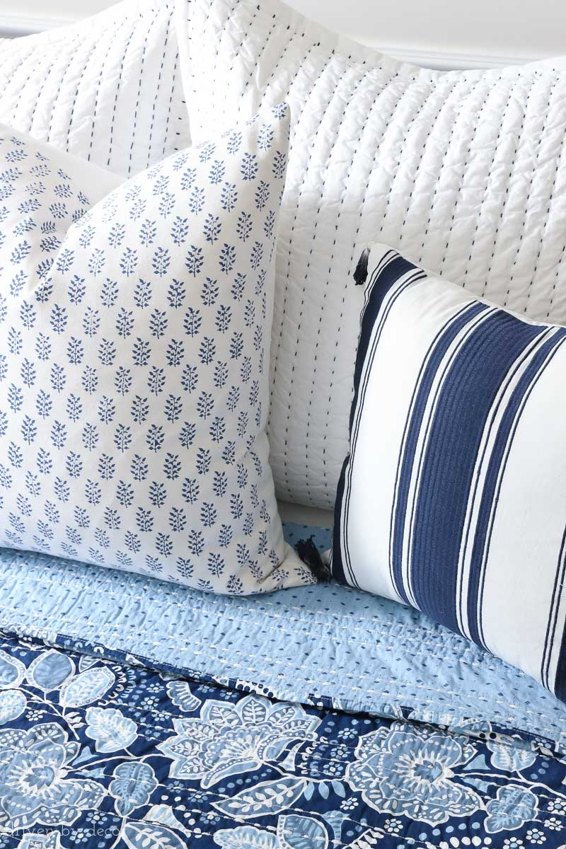 Loving this combination of blue and white pillows with the floral Vera Bradley Traveler Floral bedding!
